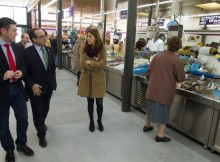 directora-xera-Comercio-Sol-Vázquez-Abeal-visitou-hoxe-mercado-Cangas-Economía