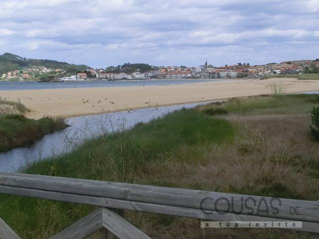Galicia acada este ano oito bandeiras azuis máis que en 2014 e continúa á cabeza de España, con 131 distincións para as súas praias