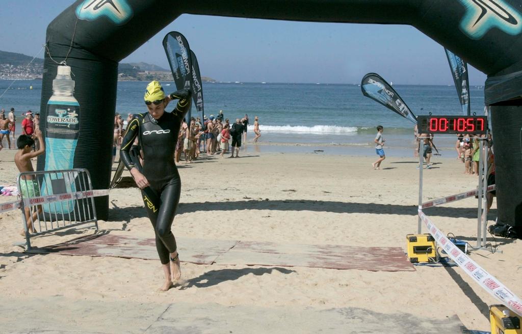 Preto-500-nadadores-Noroeste-peninsular-idades-entre-5-72-anos-participaron-hoxe-domingo-competición-celebrada-Praia-América-Nigrán