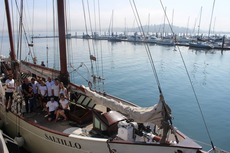 Baiona-benvida-tripulantes-buque-escola-Saltillo