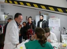 alumnos-e-alumnas-de-redondela-visitan-a-estacion-fitopatoloxica-areeiro