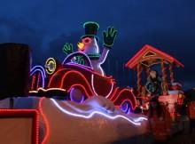 os-reis-magos-reparten-en-baiona-un-1-500kg-de-caramelos-e-mais-de-1-000-agasallos