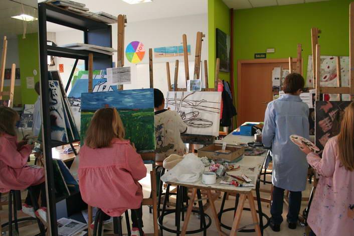 o-centro-de-arte-de-sanxenxo-achega-a-figura-de-van-gogh-aos-mais-pequenos-con-versions-dos-seus-cadros