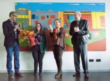 zona-franca-adquire-unha-obra-mural-da-artista-lourdes-alonso-do-centro-juan-maria-para-as-suas-instalacions-de-porto-de-molle