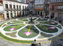a-guarda-celebrou-o-corpus-coas-tradicionais-alfombras-florais-e-a-procesion