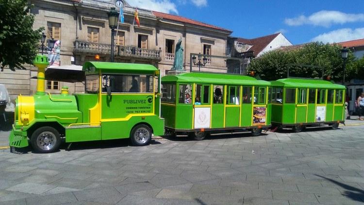 un-tren-turistico-une-a-fortaleza-de-valenca-e-o-casco-urbano-de-tui