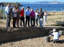 atopadas-no-xacemento-de-a-lanzada-mais-de-2-500-pezas-arqueoloxicas-e-restos-dun-enterramento-moi-antigo