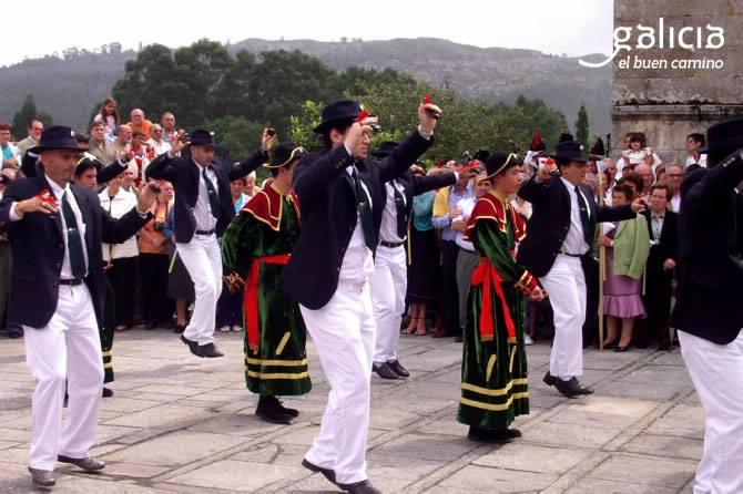 cangas-vive-as-danzas-ancestrais-de-san-roque-no-hio