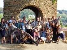 os-mozos-da-diaspora-e-de-galicia-territorial-comparten-estes-dias-traballo-no-castro-de-portomarin