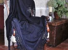 tui-acolle-a-exposicion-de-traxes-tradicionais-antigos-de-galicia-e-portugal