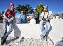 escultores-de-taiwan-bulgaria-e-colombia-traballan-en-vivo-nun-proxecto-conxunto-de-tomino-e-cerveira