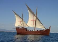 carabela-boa-esperanca-arriba-ao-porto-de-baiona
