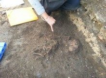 arqueologos-da-deputacion-de-pontevedra-achan-oas-restos-doutros-dous-bebes-no-campo-da-lanzada