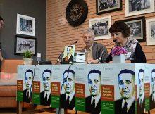 tomino-presenta-o-libro-daniel-calzado-poceiro-do-ex-concelleiro-nacionalista-lito-oliveira-facendo-unha-dobre-homenaxe