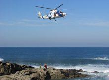 o-helicoptero-pesca-1-de-gardacostas-de-galicia-realizou-uns-exercicios-de-salvamento-no-porto-da-guarda
