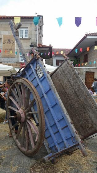 gran-animacion-durante-toda-a-xornada-en-sabaris-na-celebracion-do-seu-i-mercado-medieval