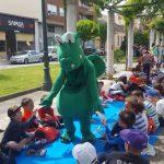 a-inicativa-da-biblioteca-do-cep-santa-marina-redondela-leva-a-mais-de-400-escolares-a-compartir-lecturas-na-rua