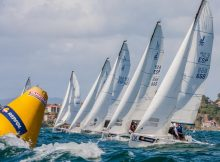 o-oral-group-galimplant-veleiro-do-real-club-nautico-de-sanxenxo-conquista-en-baiona-o-trofeo-repsol