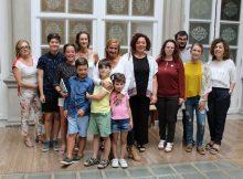 asociacion-arelas-familias-menores-trans-presenta-peza-documental-sorrisos-transformadores