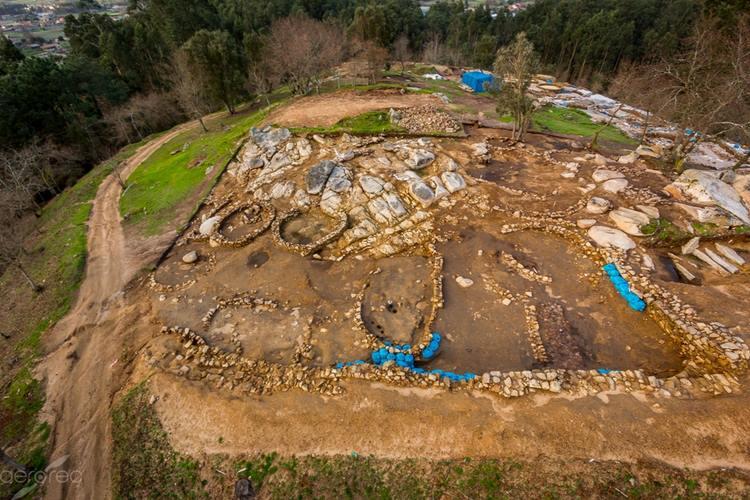 comezan-os-traballos-conservacion-na-excavacion-do-monte-do-castro-ribadumia