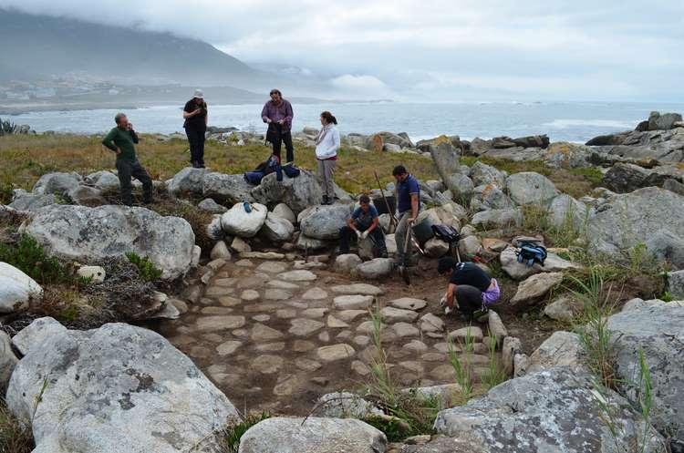 comeza-intervencion-arqueoloxica-nas-espectaculares-salinas-romanas-descubertas-este-ano-oia