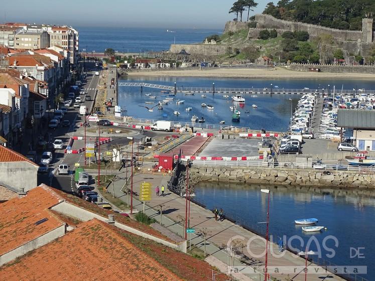 Fontes do Concello confírmannos que as obras da zona do Porto Pesqueiro estarán rematadas a mediados de decembro e van a ofrecer aos baioneses un novo espazo de descanso e lecer.
