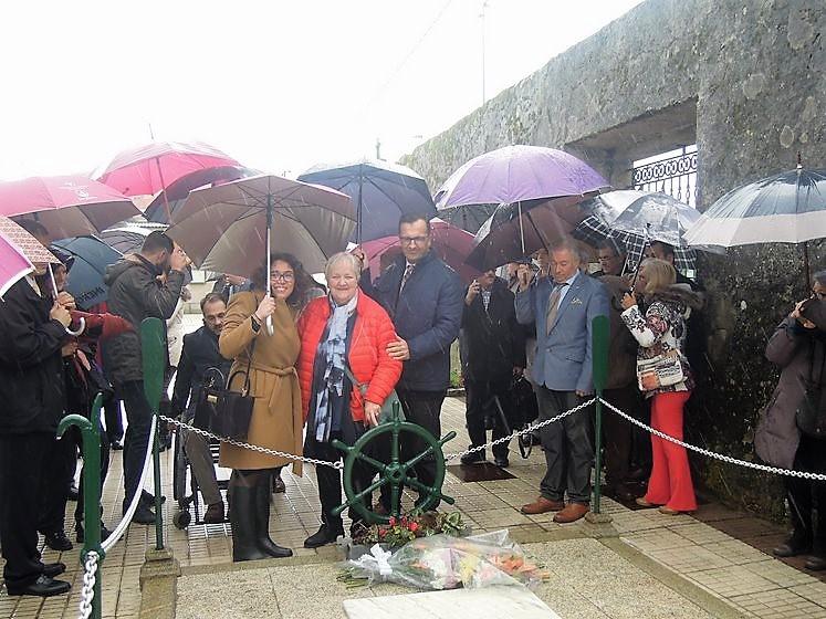 Concello de Baiona e Talaso Atlántico renderon esta mañá homenaxe ás vítimas do Thalassa e á súa única sobrevivente, Arnhild Utheim