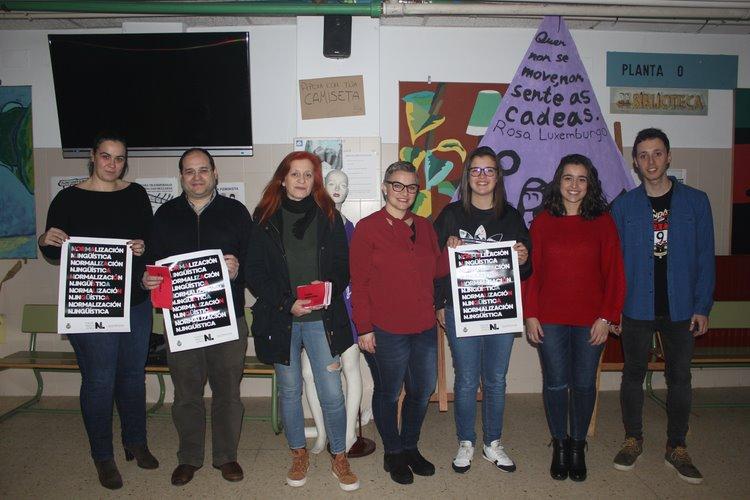alumnado-do-ies-sangrina-impulsa-unha-campana-fomentar-uso-do-galego-no-comercio