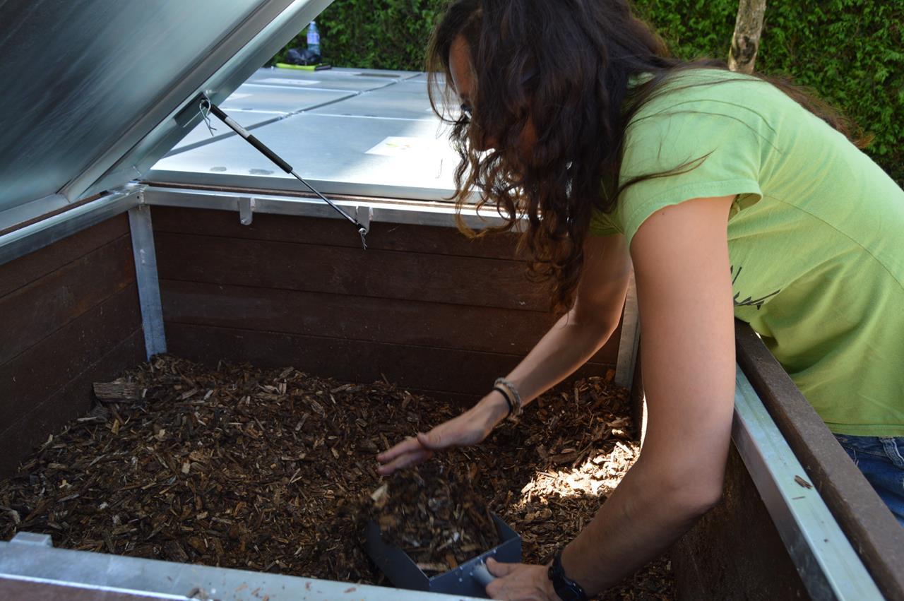 mais-de-300-persoas-participan-no-programa-de-compostaxe-comunitario-de-tomino