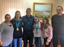 O Concello da Guarda recibe ás tres judokas que acadaron o ouro no Campionato Galego de Judo