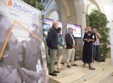 A visibilizadora exposición fotográfica de ASPACE 'Atrévete a coñecerme' enche de diversidade o hall do Pazo Provincial da Deputación de Pontevedra