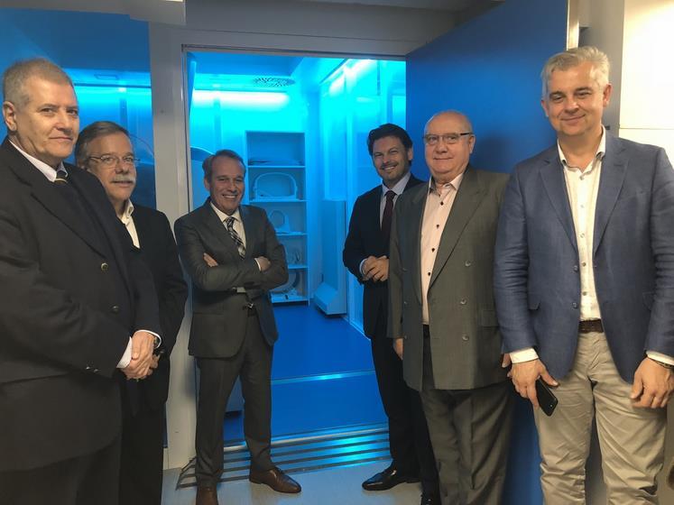 O secretario xeral da Emigración, Antonio Rodríguez Miranda, inicia a súa visita ao Uruguai coa inauguración na Casa de Galicia dun equipo de resonancia magnética pioneiro en Latinoamérica