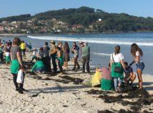 O Concello de Nigrán e Prado Surf únense á xornada de limpeza simultánea de praias en toda Galicia capitaneada Adega
