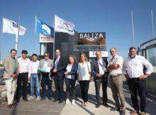 O conselleiro de Sanidade entregou o diploma de participación na Rede Galega de Portos sen Fume ao Club Naútico de Portonovo