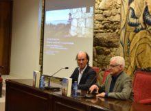 """Carlos Núñez profunda nas raíces musicais da """"marca celta"""" nunha conferencia na Real Academia Galega"""