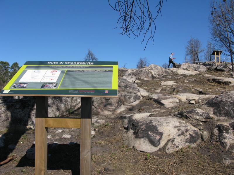Nigrán promociona o seu patrimonio arqueolóxico sinalizando tres novas rutas divulgativas con petroglifos antes descoñecidos