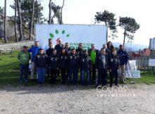 Alumnos da Escola de Vela Adaptada do Monte Real reforestan Baiona con 200 árbores autóctonas