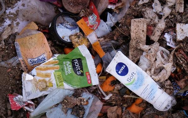 Galicia contra o plástico! Greenpeace realizará unha recollida de plásticos para denunciar ás empresas que contaminan o medioambiente