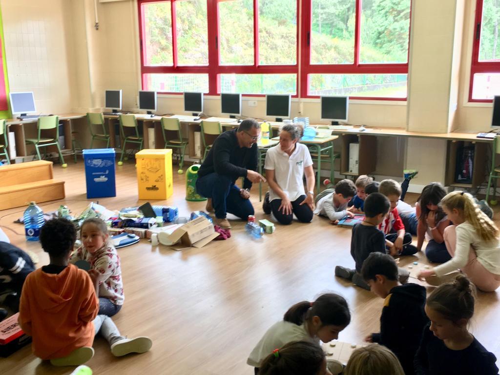 Baiona celebrou o Día Mundial da Reciclaxe cunha campaña de concienciación a escolares do concello