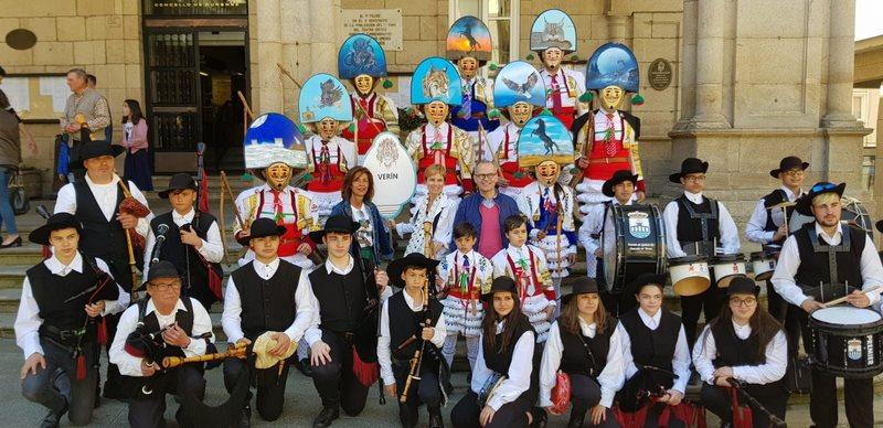 Os entroidos galegos celebran o seu primeiro Desfile de Primavera con máis de 300 participantes polas rúas de Ourense