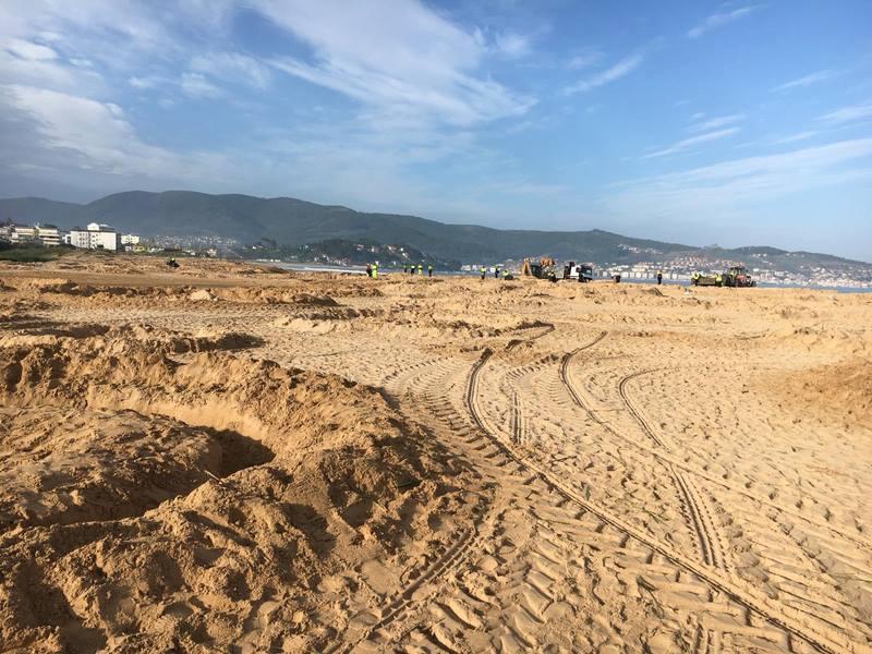 Éxito da campaña #SanXoanSenLixo ao amanecer Praia América-Lourido por primeira vez libre de desperdicios