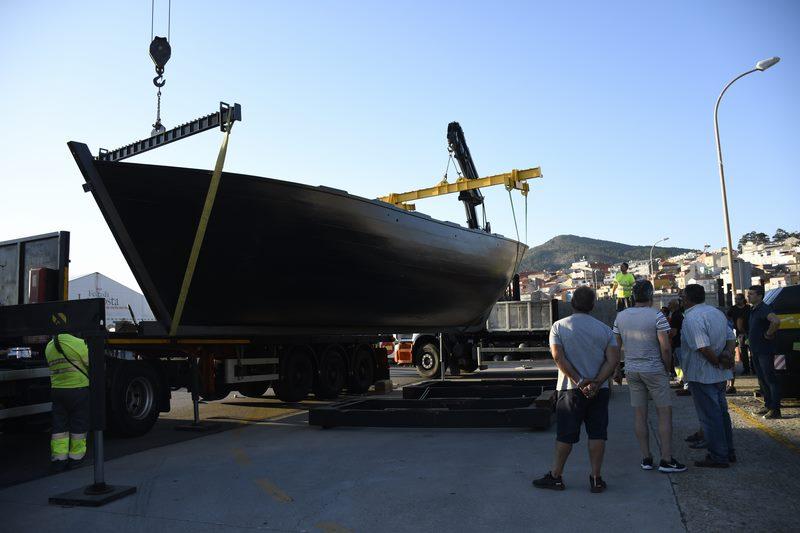 Espectáculo por terra e mar no traslado das embarcacións que participan no Encontro da Guarda