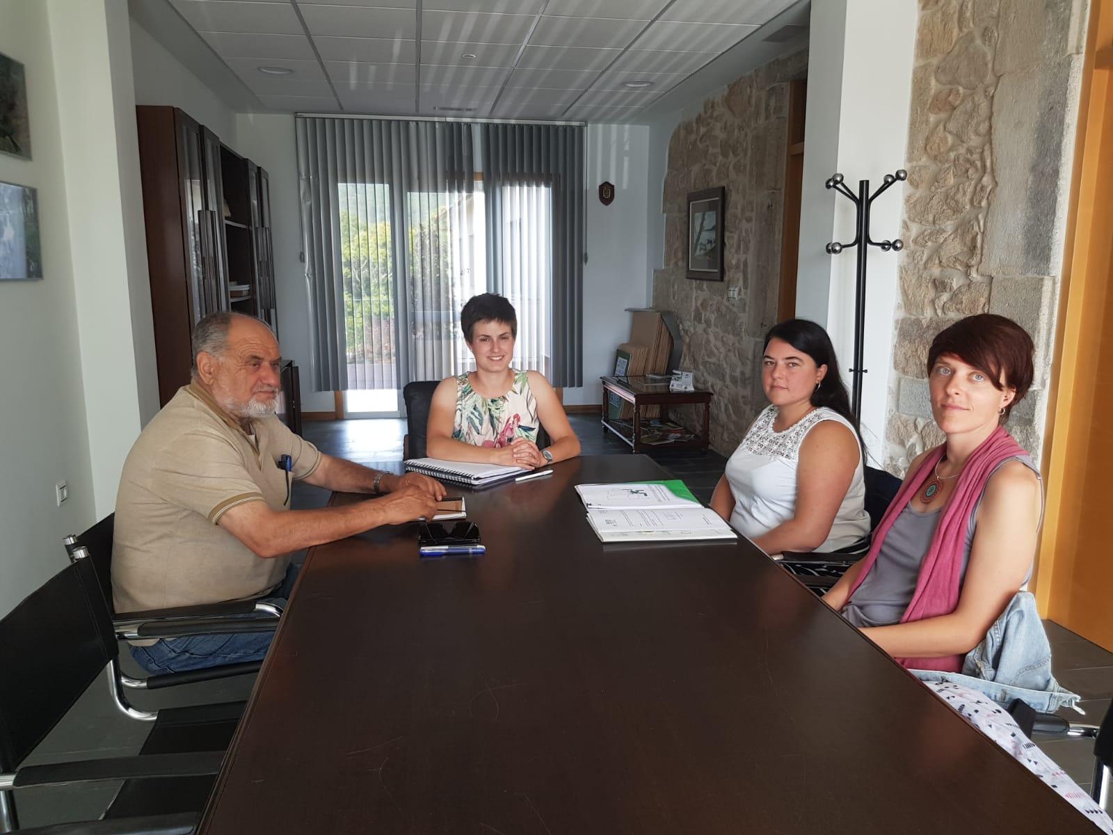 As asociacións do Baixo Miño, Érguete e Cruz Vermella reuníronse coa alcaldesa do Rosal para explicar os seus proxectos