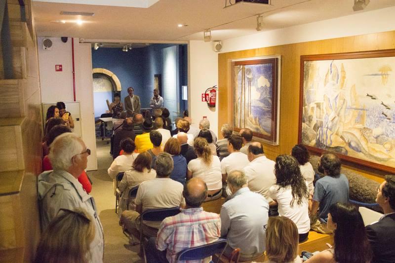 Unha exposición recolle a historia de Bueu como vila mariñeira