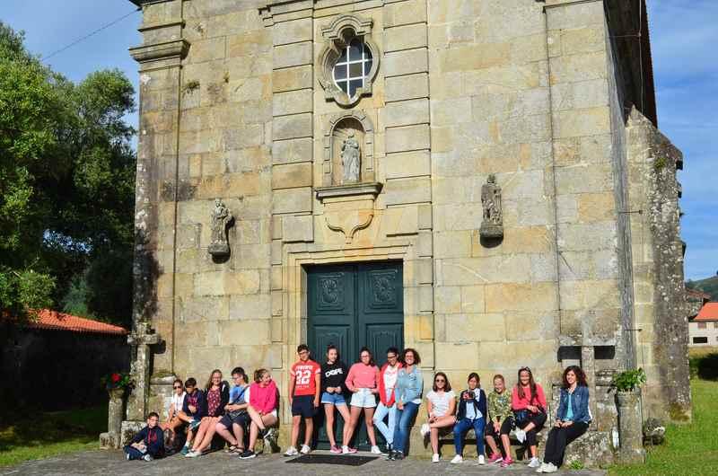 Mozos e mozas de Oia descobren o patrimonio local a través da fotografía