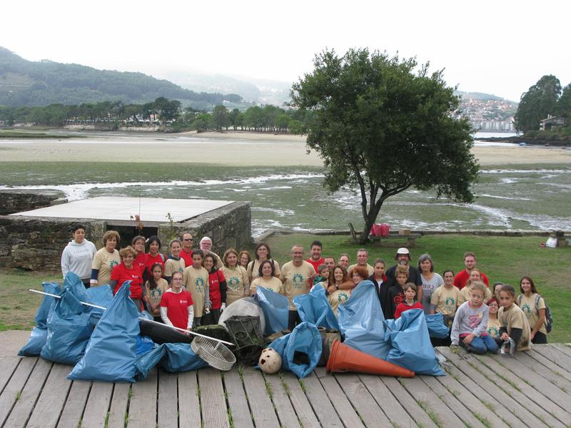 Voluntarios de Nigrán retiran 800 kg de lixo do Esteiro da Foz na 'XII Limpieza Simultánea'