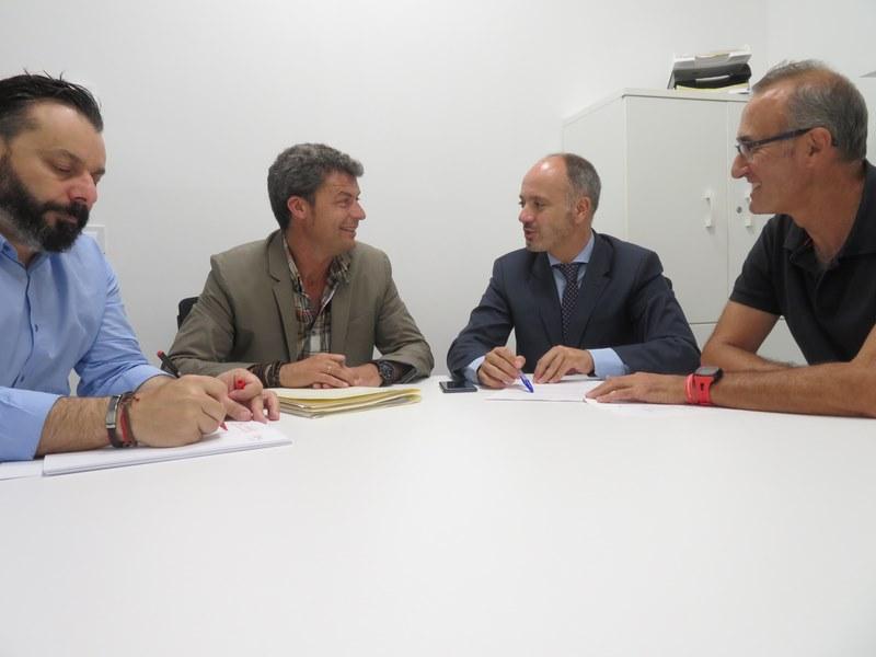Os tres alcaldes do Val Miñor analizan co delegado da Zona Franca, proxectos económicos para a comarca