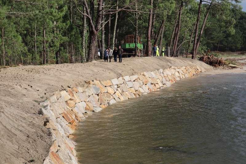 Costas do Estado remata na Guarda a escollera provisional de protección da praia Lamiña-Forte