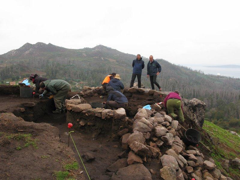 O Concello de Nigrán presenta a fase final da excavación do Castro de Chandebrito cunha visita guiada a cargo dos seus arqueólogos