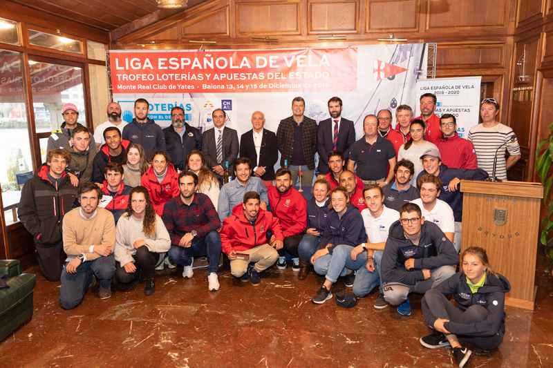 O Real Club Náutico de Arrecife gaña en Baiona a liga Española de Vela
